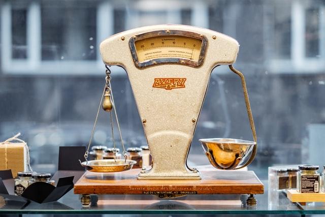 piret ilver 98MbUldcDJY unsplash - Hướng dẫn cách lựa chọn đúng loại cân sức khỏe.